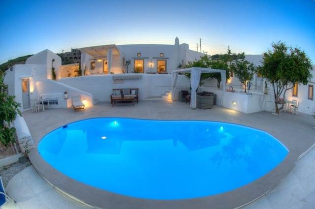 (For Sale) Residential Villa || Cyclades/Paros - 300 Sq.m, 6 Bedrooms, 1.250.000€